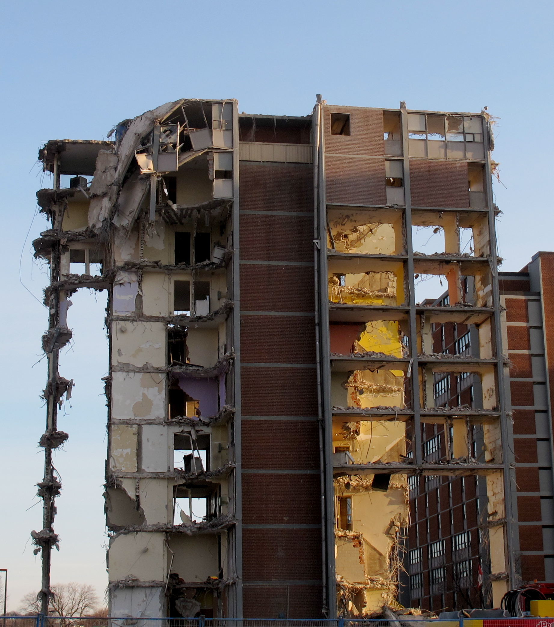 Regent Park Apartments: TOWER IN A GARDEN: DEMOLISHED